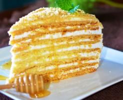 medovyj-tort-v-multivarke