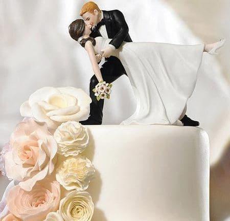 figurki na svadebnij tort nevesta naklonena